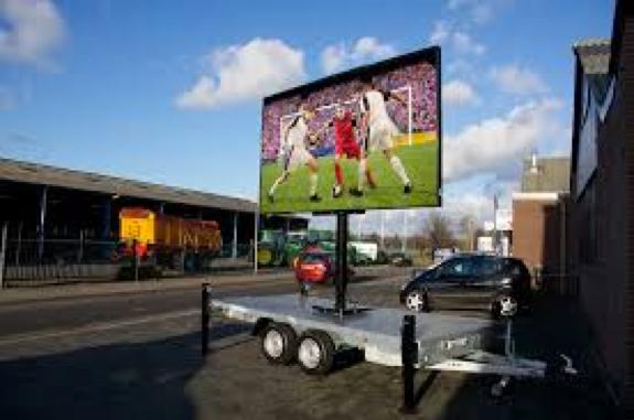 De kwartfinale  WK-damesvoetbal NEDERLAND-ITALIË te zien op groot LED-scherm